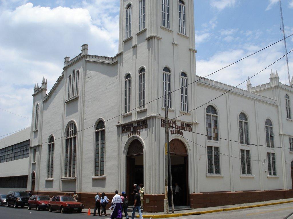Iglesia Evangélica Presbiteriana Central, 5a. Calle y 6a. Ave. A zona 1 Guatemala, Guatemala