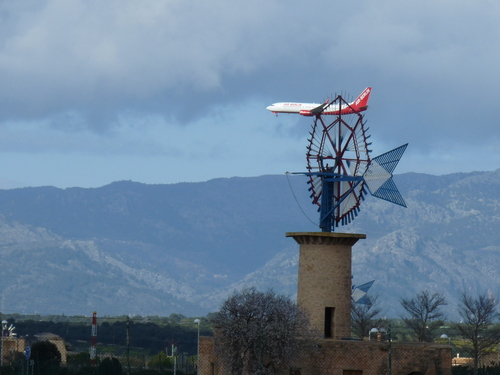 Windmill and Plane Approach to Palma Airport
