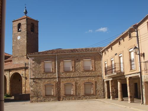 Ayuntamiento é Iglesia.