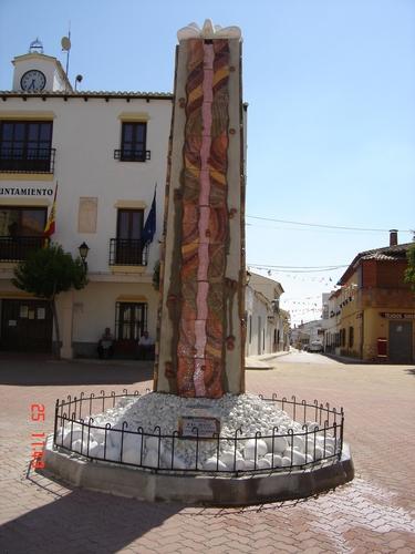 Monolito-Homenaje al RioJucar