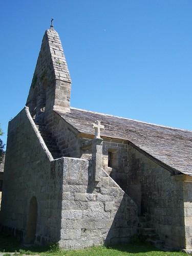 Acceso a la espadaña de la Iglesia de Santiago de Terroso