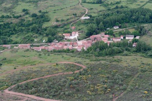 Vista aérea de Vallejimeno, término de Valle de Valdelaguna