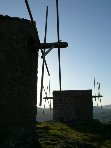 Contraluz de los molinos de viento, Catoira