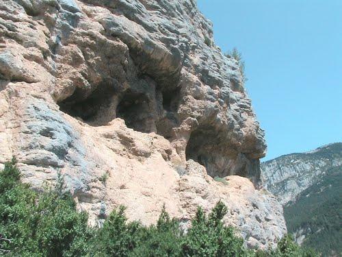 Coves dels Moros