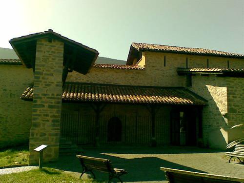 Torre de los Urbina ( Basabe ) e ( Iglesia )