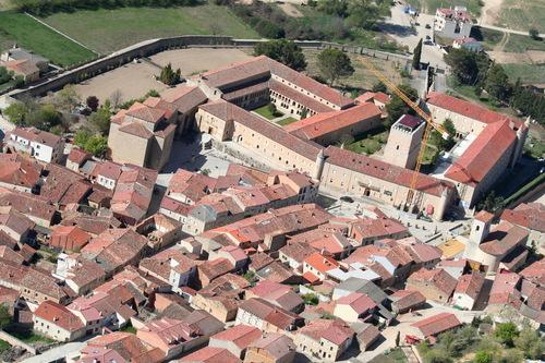Vista aérea de Caleruega y su monasterio