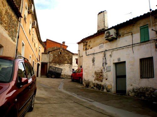Calle del Pintor Sorolla, Lagartera, Castilla La Mancha, Espana, 02-01-2009.