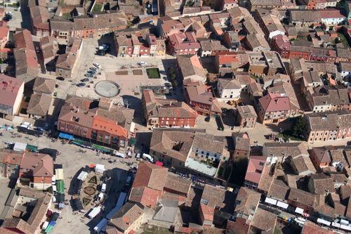 Vista aérea de la plaza mayor de Melgar de Fernamental
