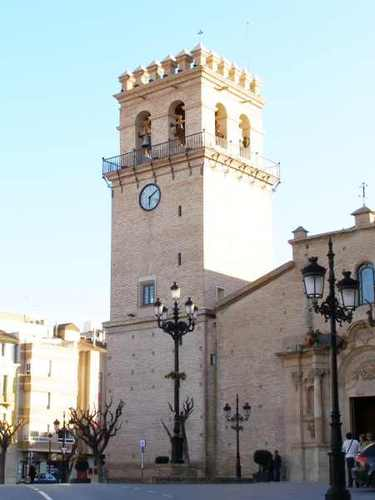 Campanario almenado de la Iglesia de Santiago-Totana (Murcia)