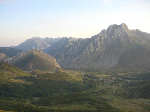 Pico Bodón y Tolibia de Abajo  ( País Leonés )