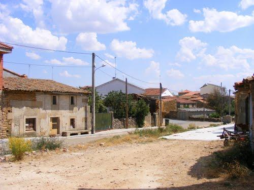 Calle de la Fuente.Brandilanes de Aliste, Zamora.