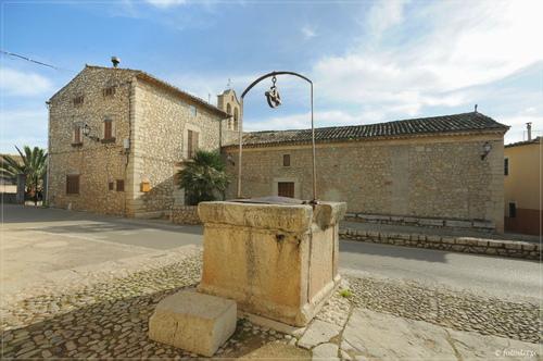 Spain - Mallorca - Biniamar / old well at the Calle-de-Selva