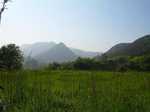 Monte Castillo desde el camino Penilla-Pando