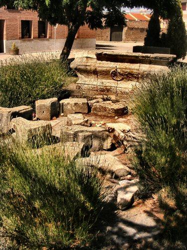 Piedras en la plaza