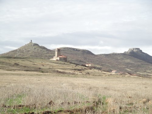 Iglesia y castillo de lara