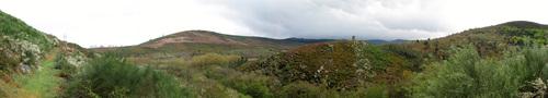 Montes Moncai e O Cornado desde a Ruta do Cabe [abr09