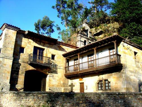IGLESIA SANTUARIO DE NUESTRA SEÑORA DE LA PEÑA (Villanueva de la Peña, Cantabria)