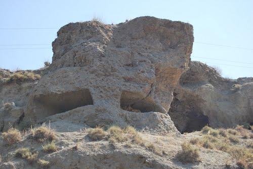 Defensa republicana excavada en el cerro