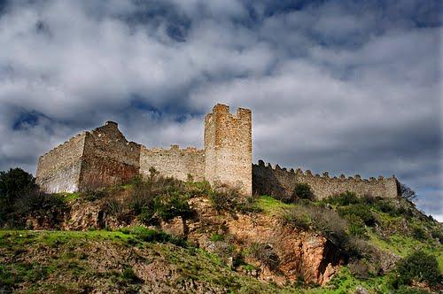 Castillo de Cornatel S.XVI, Priaranza del Bierzo