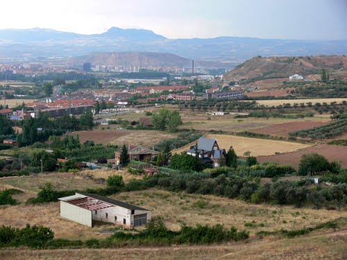 VILLAMEDIANA DE IREGUA (Valle del Iregua-La Rioja). 2009. 08. Vista del valle.