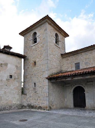 Torre de la iglesia de La Asunción (Leazkue)