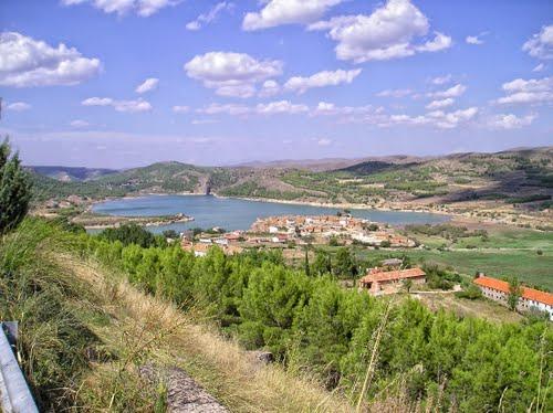 Montcortes y su laguna 13-09-2004