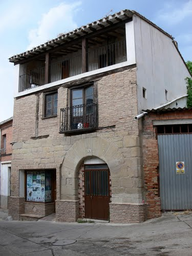 VILLAMEDIANA DE IREGUA (Valle del Iregua-La Rioja). 2009. 05. Arquitectura rural.