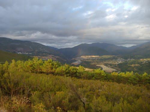 Desde la torreta de telecomunicaciones hacia Sorbeda - El Bierzo