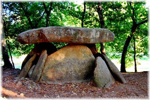 Dolmen de AXEITOS  (Pedra do Mouro) 3