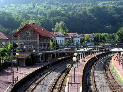 Estación de Ferrocarril, Trubia, Oviedo, Asturias, Spain