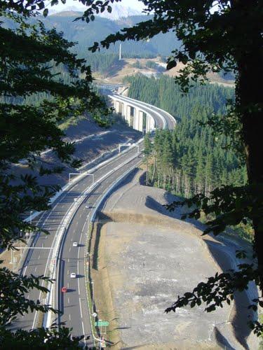 AP-1 Viaducto sobre acceso a Marín