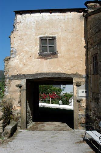 Casa de Larouco (con túnel)