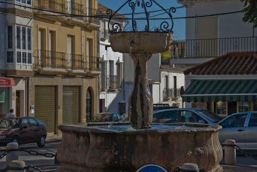El frescor de su plaza y su fuente