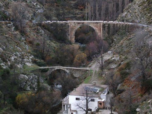 Puentes de distintas épocas en un paseo por La Alpujarra. Enero de 2011