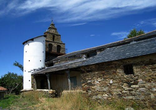 iglesia de san Pedro, Campo de Lomba, 2009.
