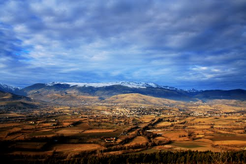 It´s Spain only till the city of Puigcerdà, from there on it´s France