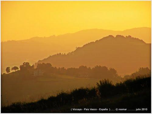 atardecer / sunset .. paisaje montaña ..  Guernika-Bermeo , Vizcaya , Pais Vasco , España