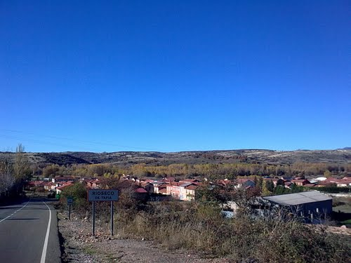 Llegando a Rioseco de Tapia -- Región Leonesa