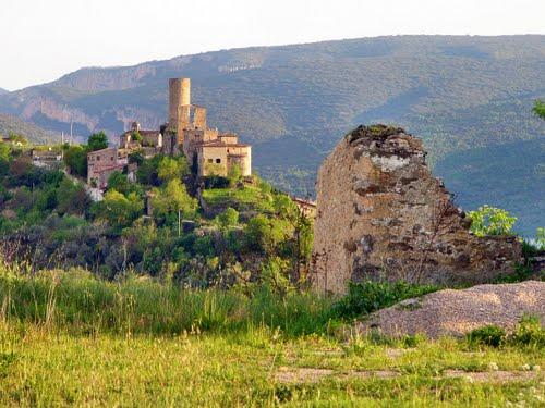 La Baronia de Sant Oïsme depuis le Mas Reboll. Espagne