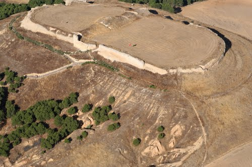 Vista aérea del asentamiento del antiguo castillo de Tordehumos