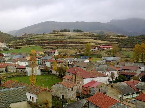 Vista de Puebla de Lillo desde el Torreón -- Región Leonesa