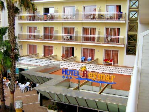 Our hotel - Szállodánk