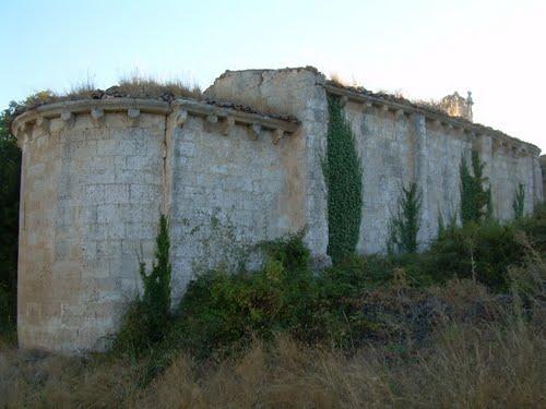 Ruinas de ermita románica