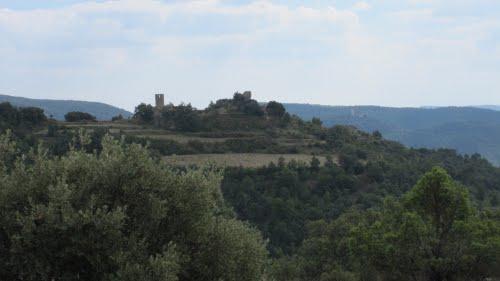 torruella de aragon, al fondo castillo fantova