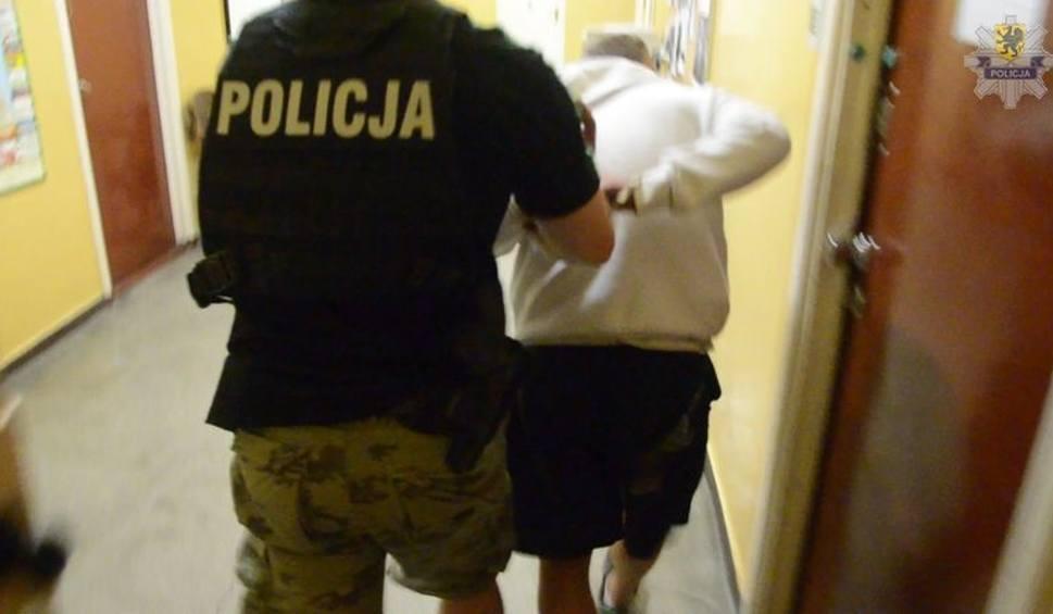 Film do artykułu: Podejrzany o napad na kobietę w Gdańsku usłyszał  zarzut i trafił  do aresztu [WIDEO,ZDJĘCIA]