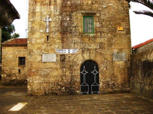 Detalle da igrexa de Santa Eulalia de Oza