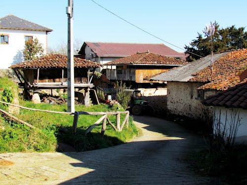 Horreos de Borres, Tineo. Principado de Asturias.