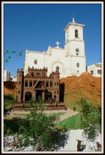 """""""El palacio de herodes"""" en el Belén se complementa con la Iglesia de San Javier"""