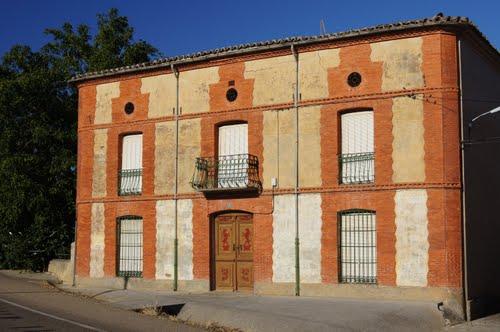 Edificio de Catronuevo de los Arcos.