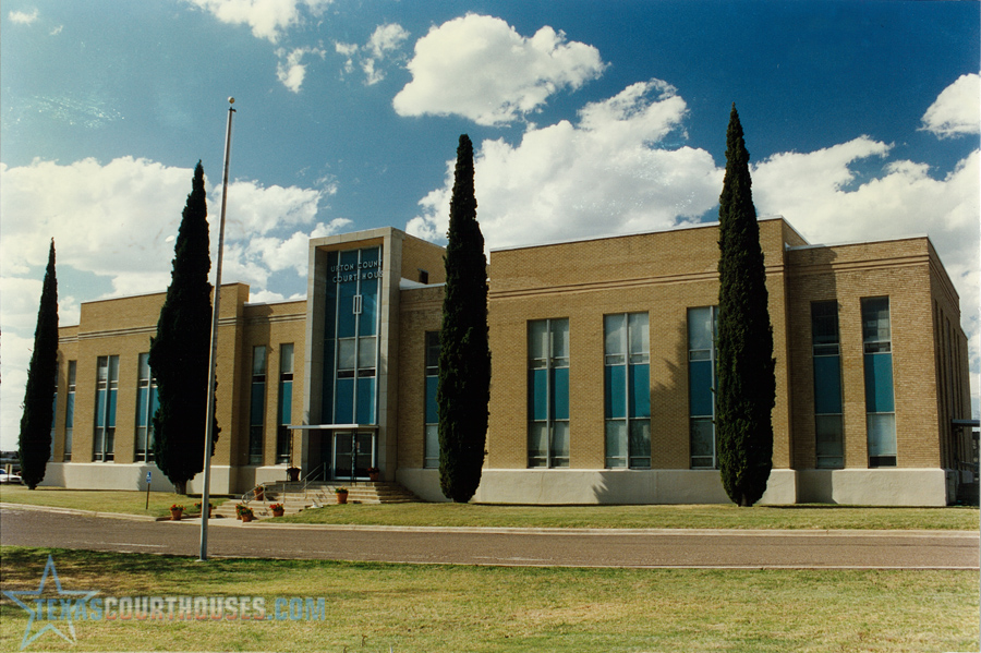 https://historictexas.net/sites/default/files/images/Upton-texas-courthouses-com.jpg